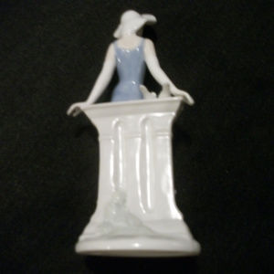 NO BRAND Other - RETRO PRETTY LADY SCULPTURE FROM THE PAST 8 &1/2 I